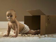 bebe-boite-carton